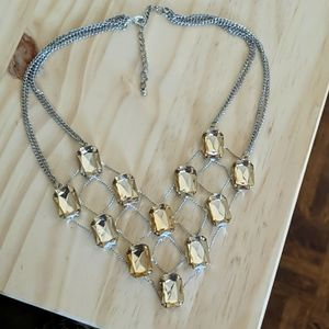 🌹 NWOT Champagne Stone Silver Statement Necklace